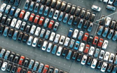 Coraz mniej przestrzeni dla prywatnych aut