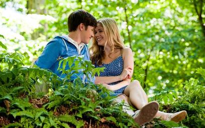 Joe (Nick Robinson) i Kelly (Erin Moriarty)