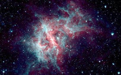 Zdjęcie kosmosu zrobione przez NASA przy użyciu kosmicznego teleskopu Spitzer